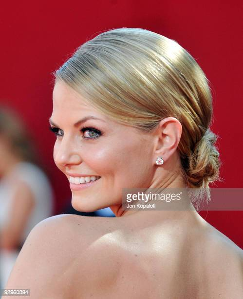 Actress Jennifer Morrison arrives at the 61st Primetime Emmy Awards held at the Nokia Theatre LA Live on September 20 2009 in Los Angeles California