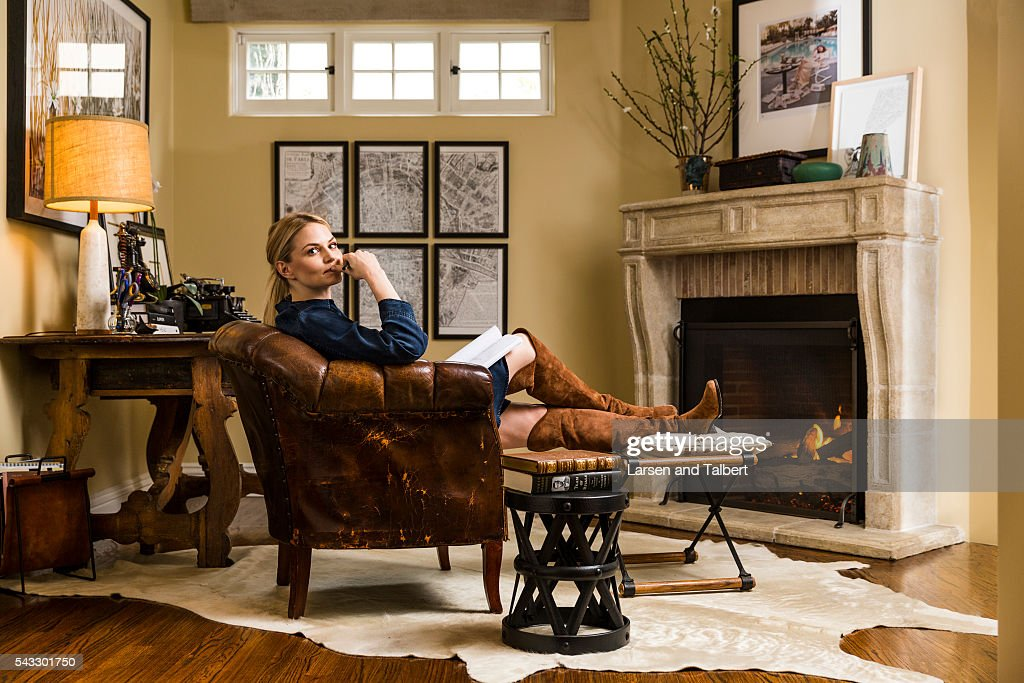Jennifer Morrison at Home, People Magazine, April 6, 2016