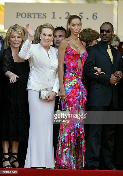 Actress Jennifer Saunders Julie Andrews Nicole Mitchell and actor Eddie Murphy attend the Shrek 2 premiere at the Le Palais de Festival during the...