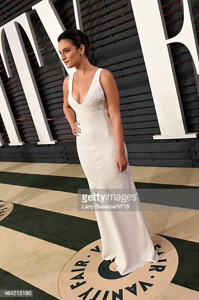 Actress Jenny Slate attends the 2015 Vanity Fair Oscar Party hosted by Graydon Carter at the Wallis Annenberg Center for the Performing Arts on...