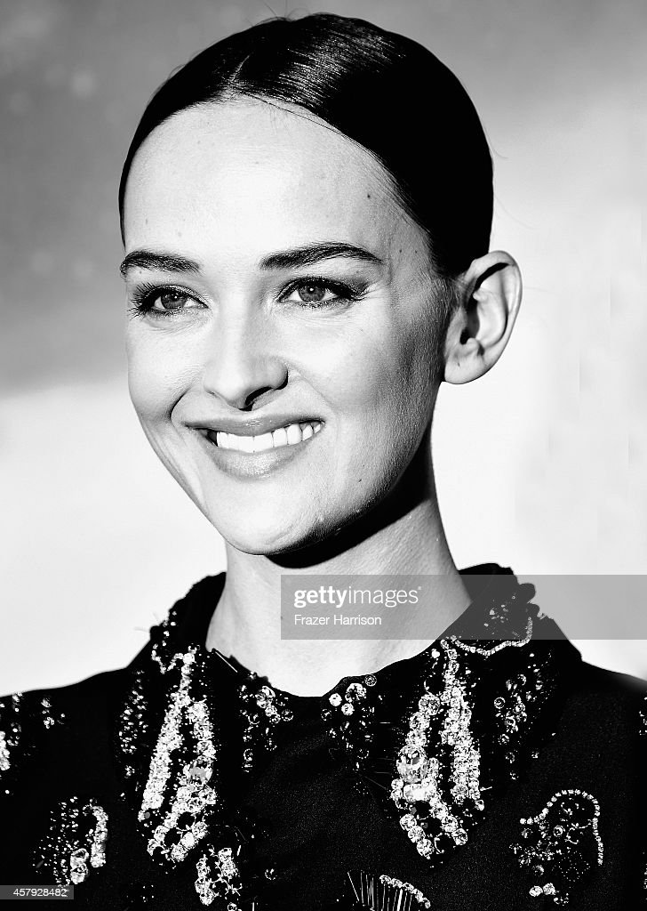 . Actress Jess Weixler attends the premiere of Paramount Pictures' 'Interstellar' at TCL Chinese Theatre IMAX on October 26, 2014 in Hollywood, California.