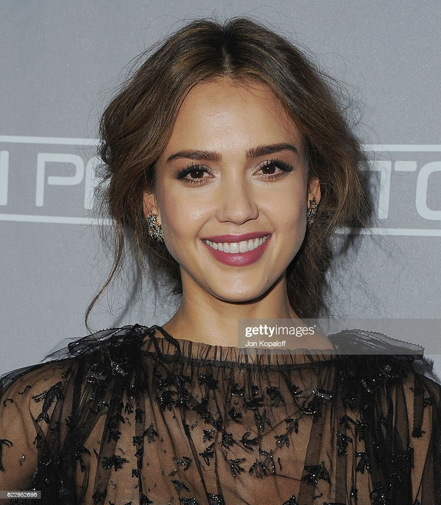 5th Annual Baby2Baby Gala - Arrivals : News Photo