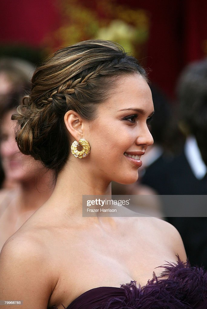 Actress Jessica Alba arrives at the 80th Annual Academy Awards held at the Kodak Theatre on February 24, 2008 in Hollywood, California.