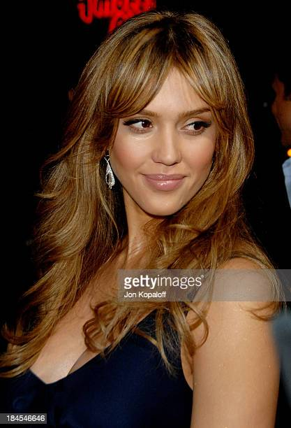 "Actress Jessica Alba arrives at the Los Angeles Premiere ""The Eye"" at the Pacific Cinerama Dome on January 31, 2008 in Hollywood, California."