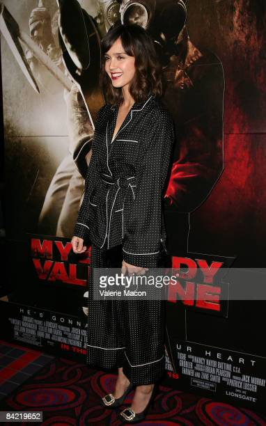 Actress Jessica Alba arrives at the screening of Lionsgate's My Bloody Valentine 3D at the Mann's Chinese Theater on January 8 2009 in Hollywood...