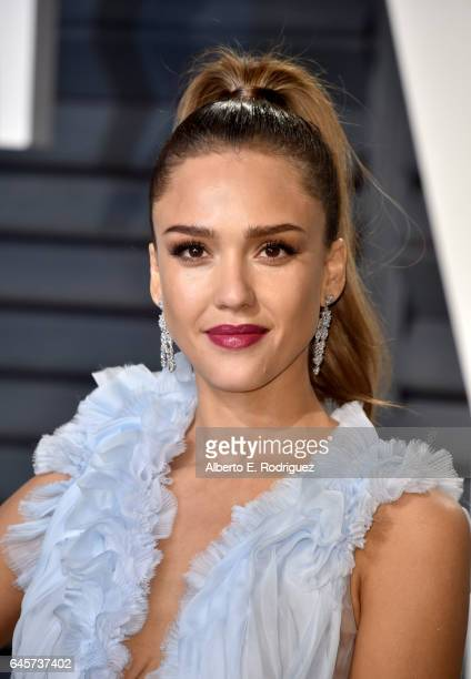 Actress Jessica Alba attends the 2017 Vanity Fair Oscar Party hosted by Graydon Carter at Wallis Annenberg Center for the Performing Arts on February...