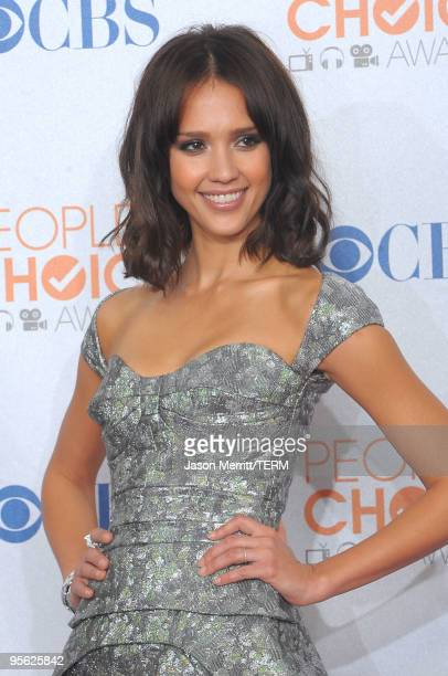 Actress Jessica Alba poses in the press room during the People's Choice Awards 2010 held at Nokia Theatre L.A. Live on January 6, 2010 in Los...