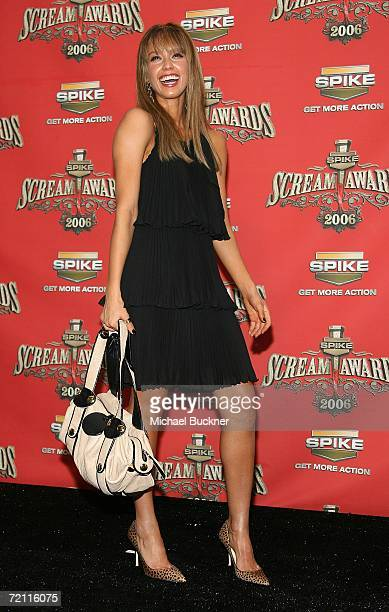 Actress Jessica Alba winner of Sexiest Superhero poses in the press room for Spike TV's Scream Awards 2006 at the Pantages Theatre on October 7 2006...