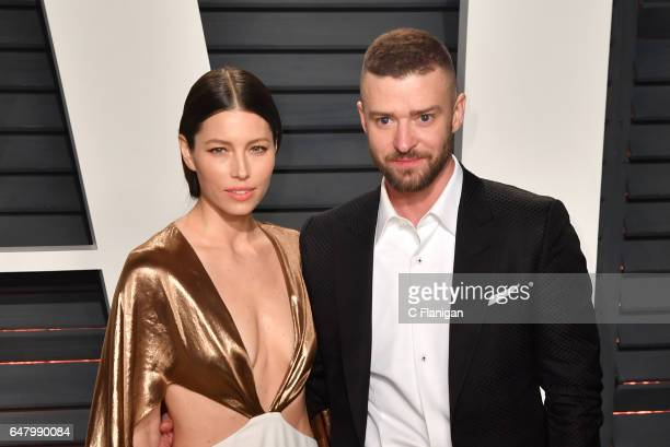 Actress Jessica Biel and singersongwriter Justin Timberlake attend the 2017 Vanity Fair Oscar Party hosted by Graydon Carter at Wallis Annenberg...