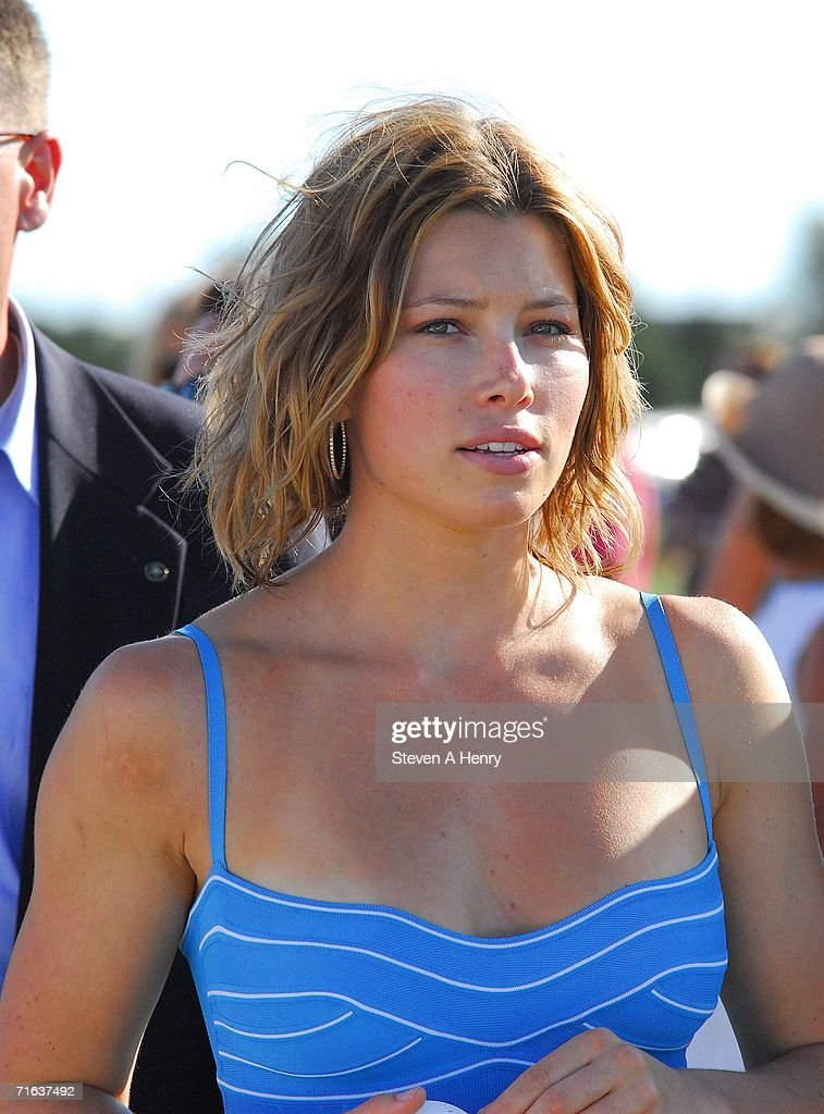Jessica Biel and the Island Villas at Molasses Reef host the Mercedes-Benz Polo Challenge : News Photo