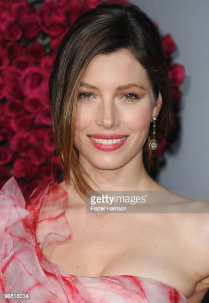"""Actress Jessica Biel arrives at the premiere of New Line Cinema's """"Valentine's Day"""" held at Grauman�s Chinese Theatre on February 8, 2010 in..."""
