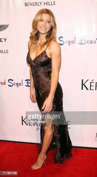 Actress Jessica Biel arrives at What A Pair 4 benefiting The John Wayne Cancer Institute at the Wiltern Theater on June 11 2006 in Los Angeles...