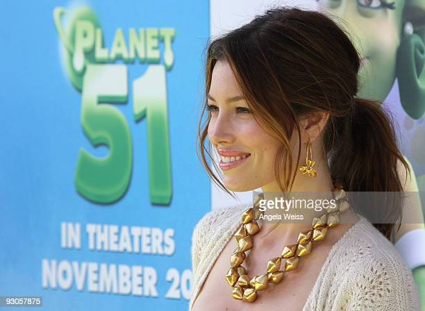 Actress Jessica Biel arrives to the premiere of Columbia Pictures' 'Planet 51' at the Mann Village Theatre on November 14, 2009 in Westwood,...