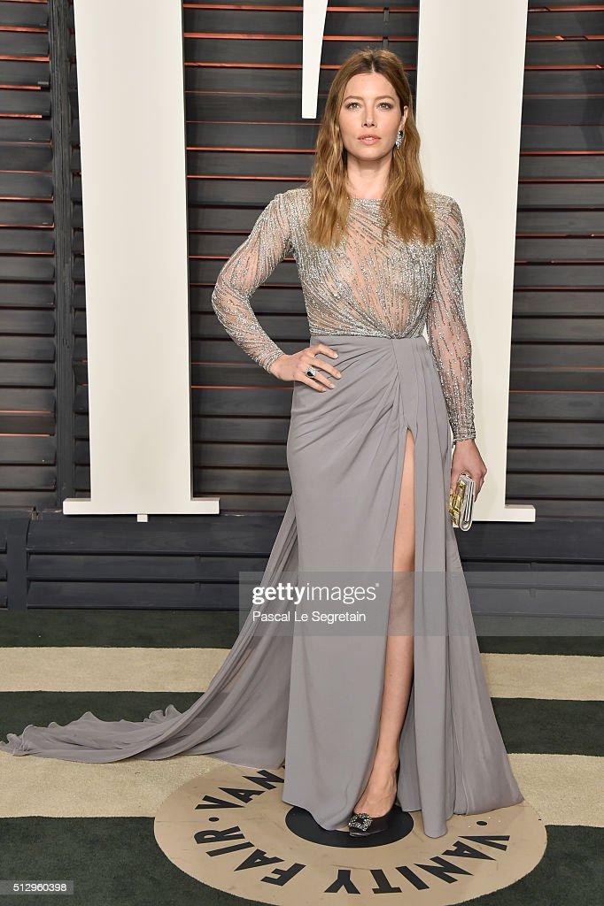 2016 Vanity Fair Oscar Party Hosted By Graydon Carter - Arrivals : News Photo