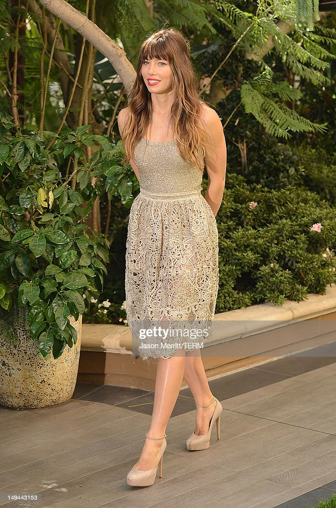 Actress Jessica Biel attends the photo call for Columbia Pictures' 'Total Recall' held at the Four Seasons Hotel on July 28, 2012 in Los Angeles, California.