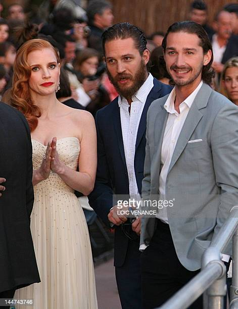"""Actress Jessica Chastain arrives with US actors Shia Labeouf and Tom Hardy to take part in the TV show """"Le Grand Journal"""" on the set of French TV..."""