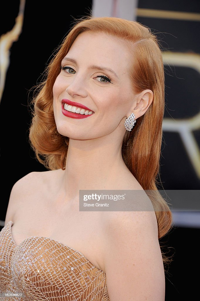 Actress Jessica Chastain, wearing Giorgio Armani,arrives at the Oscars held at Hollywood & Highland Center on February 24, 2013 in Hollywood, California.