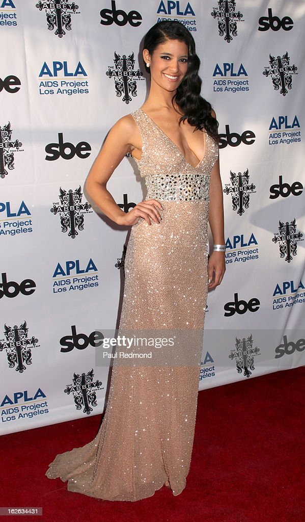 Actress Jessica Clark arrives at APLA and The Abbey's 12th Annual 'The Envelope Please' Oscar Viewing Party at The Abbey on February 20, 2013 in West Hollwwod, California.