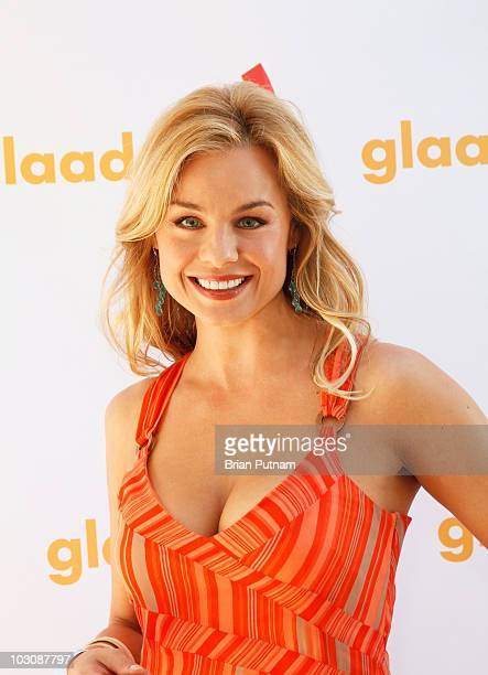 Actress Jessica Collins attends Bravo Hosts GLAAD Hancock Park Top Chef Masters Invasion on July 25 2010 in Los Angeles California