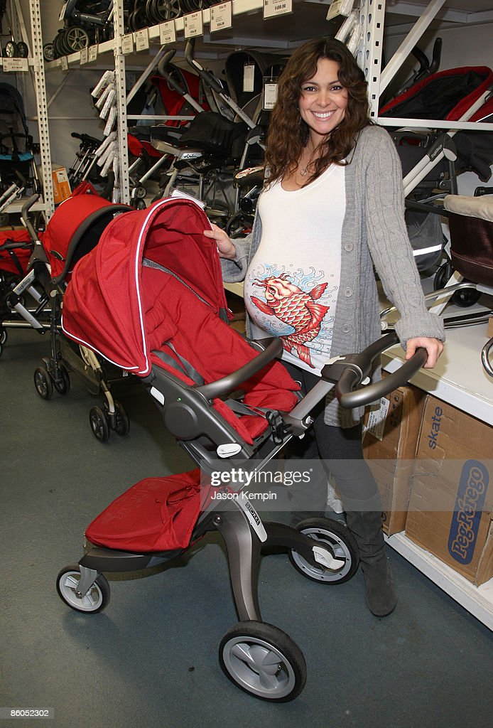 Actress Jessica Leccia shops at Buy Buy Baby on April 20, 2009 in New York City.