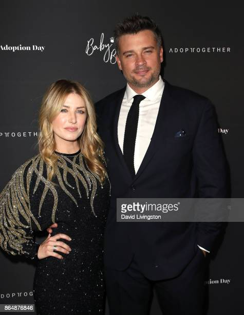 Actress Jessica Lee Rose and actor Tom Welling attend the 7th Annual Baby Ball Gala at NeueHouse Hollywood on October 21 2017 in Los Angeles...