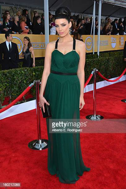 Actress Jessica Pare arrives at the 19th Annual Screen Actors Guild Awards held at The Shrine Auditorium on January 27, 2013 in Los Angeles,...