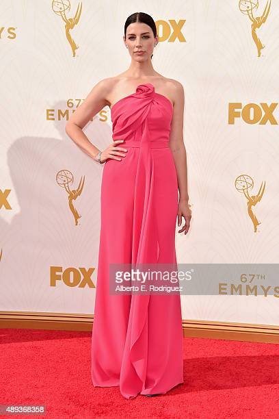 Actress Jessica Pare attends the 67th Emmy Awards at Microsoft Theater on September 20 2015 in Los Angeles California 25720_001