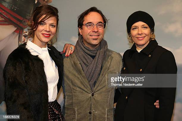 Actress Jessica Schwarz actor Jan Josef Liefers and actress Katja Riemann attend the red carpet prior to the premiere of 'Baron Muenchhausen' on...