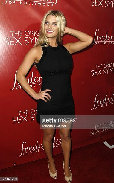 Actress Jessica Simpson arrives at the Frederick's of Hollywood Fall 2007 Collection debut at the Palladium on October 24, 2007 in Los Angeles,...