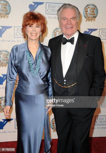 Actress Jill St John and actor Robert Wagner arrive at the 2009 World Magic Awards at The Barker Hanger on October 10 2009 in Santa Monica California