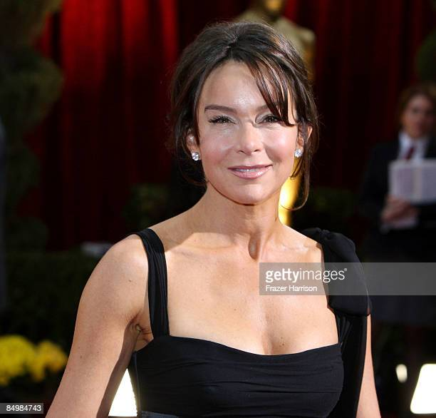 Actress Jo Wilder arrives at the 81st Annual Academy Awards held at Kodak Theatre on February 22, 2009 in Los Angeles, California.