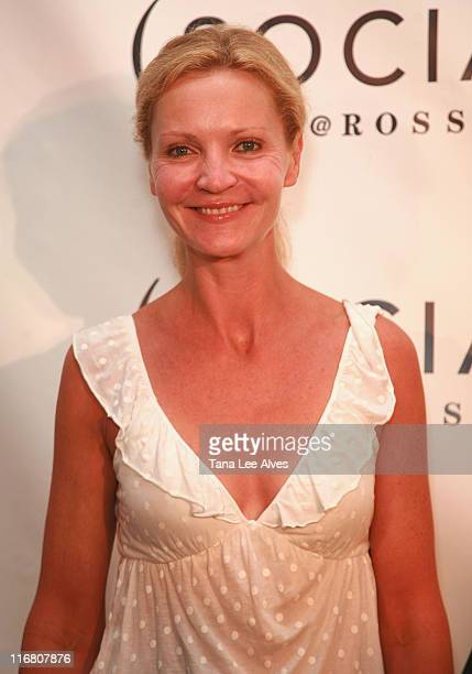 Actress Joan Allen visits the Hampton SOCIAL @Ross Performance by Dave Matthews Band at the Ross School July 28 2007 in East Hampton New York