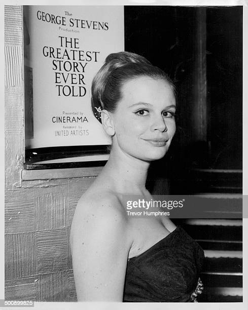 Actress Joanna Dunham arriving at the Casino Cinerama Theatre to see 'The Greatest Story Ever Told' London April 9th 1965