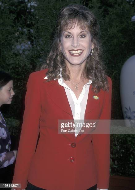 Actress Jodi Benson attends the 'Mulan' Hollywood Premiere on June 5 1998 at Hollywood Bowl in Hollywood California