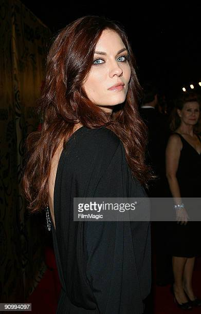 Actress Jodi Lyn O'Keefe arrives on the red carpet at HBO's post Emmy Awards reception at Pacific Design Center on September 20 2009 in West...