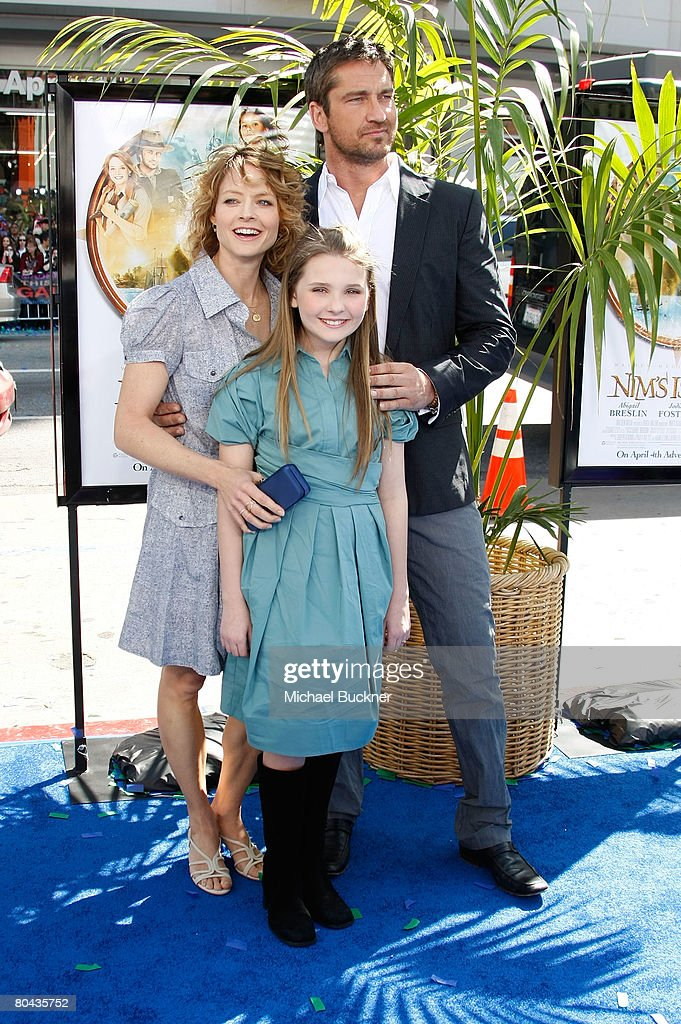 Actress Jodie Foster, actress Abigail Breslin and actor Gerard Butler arrive at the premiere of 20th Century Fox's 'Nim's Island' at Grauman's Chinese Theatre March 30, 2008 in Hollywood, California.