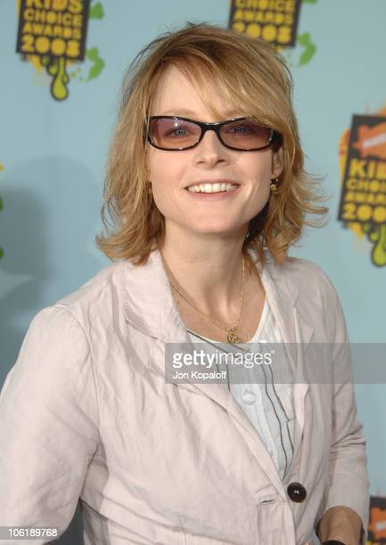 Actress Jodie Foster arrives at Nickelodeon's 2008 Kids' Choice Awards at the Pauley Pavilion on March 29 2008 in Los Angeles California