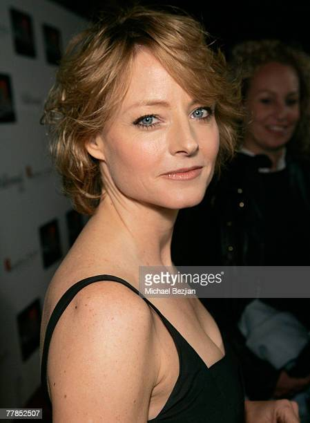 Actress Jodie Foster arrives to the Hamilton Behind the Camera Awards Hosted by Hollywood Life at The Highlands on November 11 2007 in Hollywood...