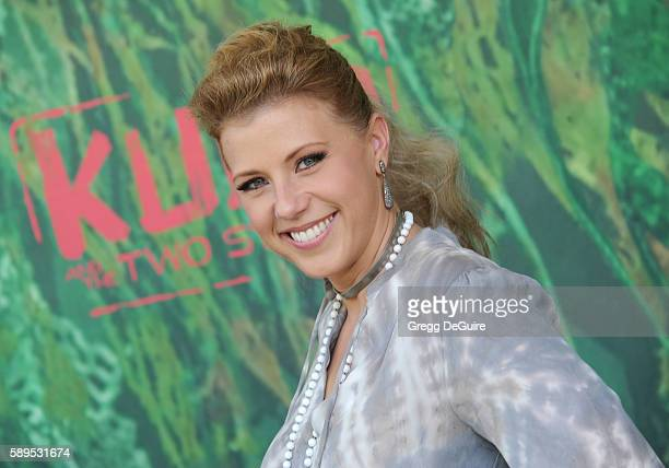 """Actress Jodie Sweetin arrives at the premiere of Focus Features' """"Kubo And The Two Strings"""" at AMC Universal City Walk on August 14, 2016 in..."""