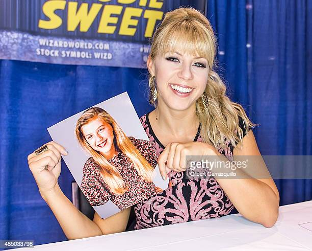 Actress Jodie Sweetin attends Wizard World Comic Con Chicago 2015 Day 4 at Donald E Stephens Convention Center on August 22 2015 in Chicago Illinois