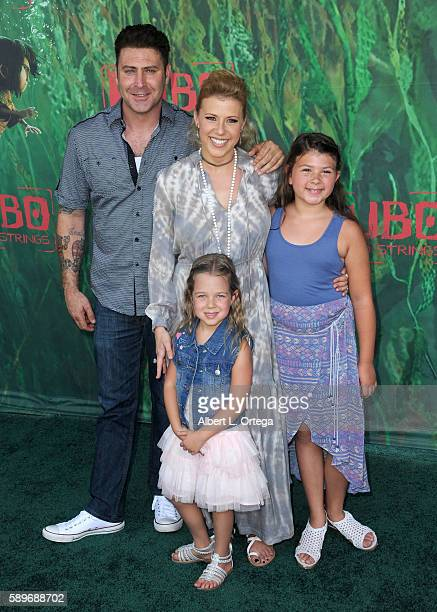 Actress Jodie Sweetin daughter's Zoie Laurel May Herpin and Beatrix Carlin SweetinCoyle arrive for the Premiere Of Focus Features' Kubo And The Two...