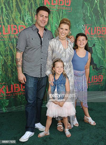 Actress Jodie Sweetin Justin Hodak and daughters Beatrix Carlin Sweetin Coyle and Zoie Laurel May Herpin attend the premiere of Kubo and the Two...