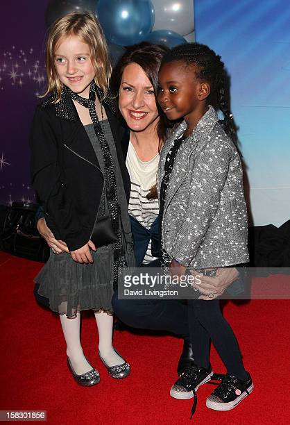 Actress Joely Fisher and daughters True Harlow FisherDuddy and Olivia Luna FisherDuddy attend the opening night of Disney On Ice's Dare To Dream at...