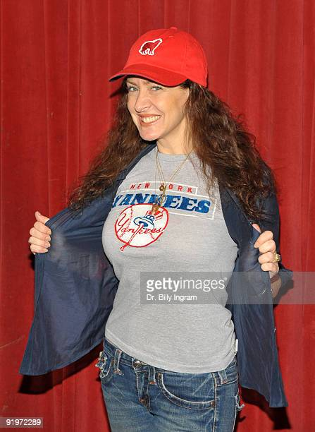 Actress Joely Fisher attends the Children's Institute ''Poker For A Cause'' Celebrity Poker Tournament at Commerce Casino on October 17 2009 in City...