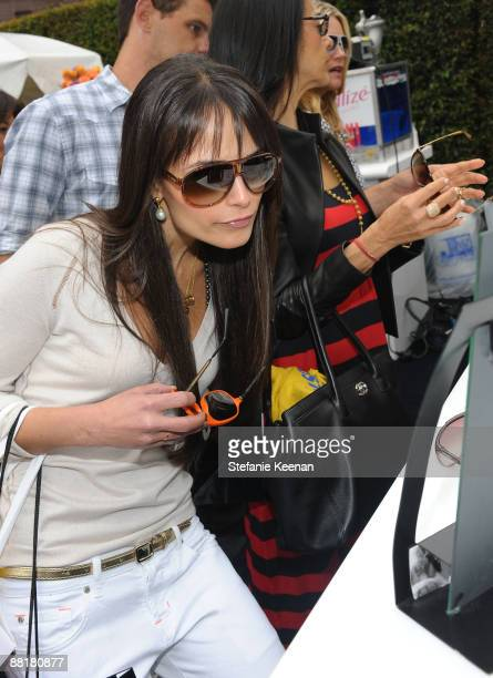 Actress Jordana Brewster attends The Byron Tracey Lounge held at Byron Tracey Salon on May 29 2009 in Beverly Hills California