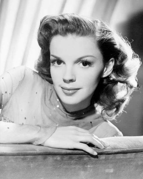 actress-judy-garland-in-a-scene-from-the