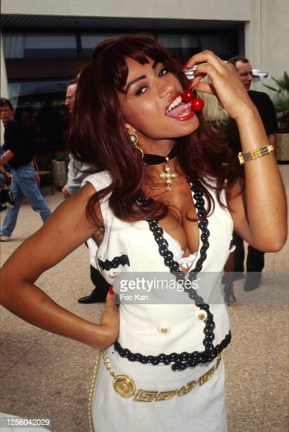 Actress Julia Channel attends the Hot D'Or during 53rd Cannes Film Festival in May 2000 in Cannes France