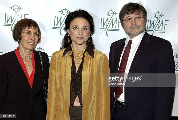 Actress Julia LouisDreyfus poses with Ruth and Judea Pearl parents of slain Wall Street Journal reporter Daniel Pearl at the 7th Annual Courage in...