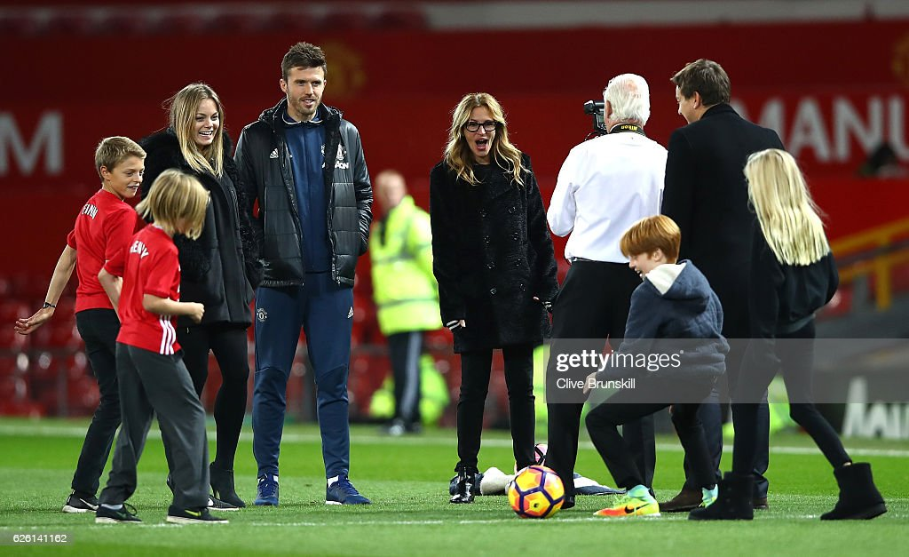 Actress Julia Roberts and Michael Carrick of Manchester United talk after the Premier League match between Manchester United and West Ham United at Old Trafford on November 27, 2016 in Manchester, England.