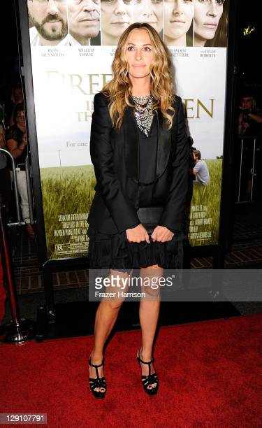Actress Julia Roberts arrives at the pemiere of 'Fireflies In The Garden' at the Pacific Theaters at the Grove on October 12 2011 in Los Angeles...